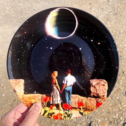 Lovers In Space - ceramic dinner plate by taudalpoi