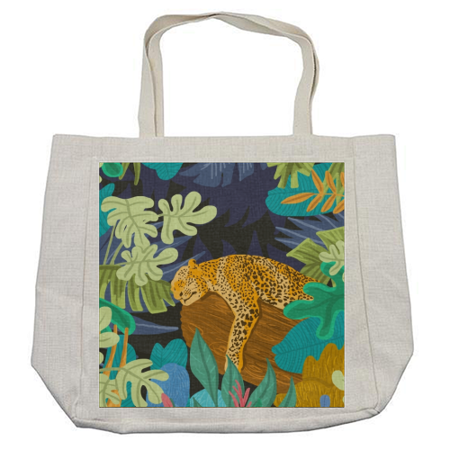 Sleeping Panther - cool beach bag by Uma Prabhakar Gokhale