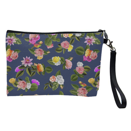 Frida Floral (Blue) - pretty makeup bag by Desirée Feldmann